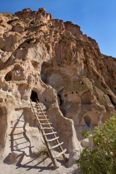 15417959-bandelier-national-monument